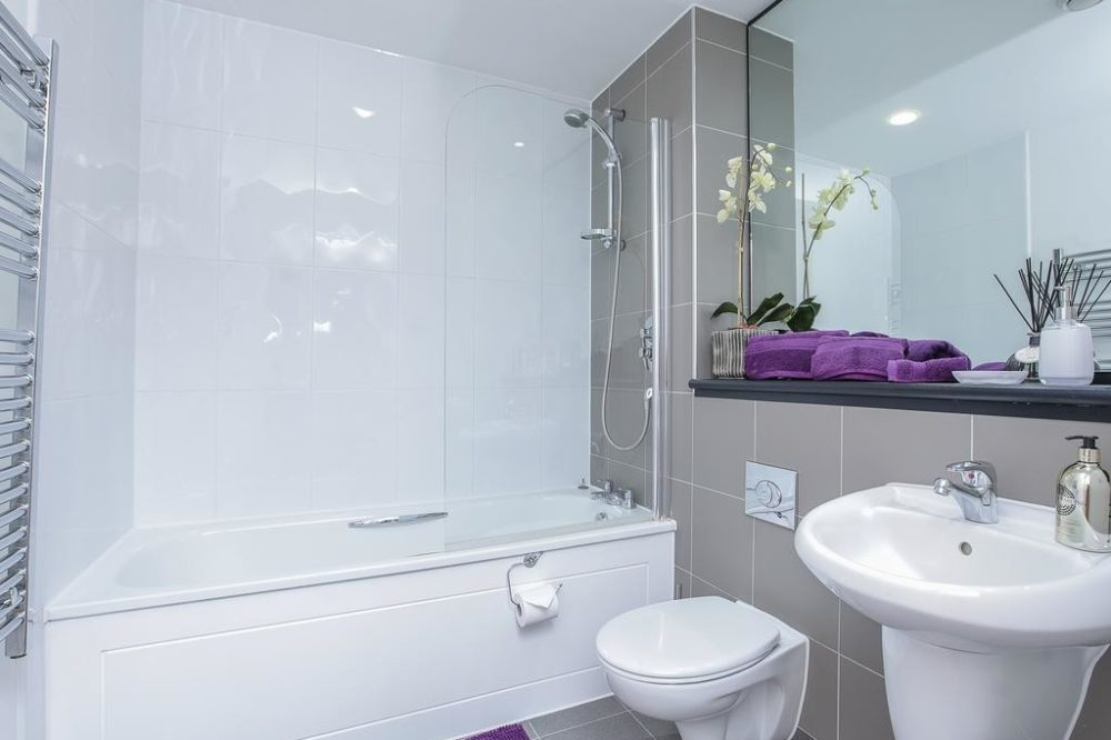 holiday apartments leeds with relaxing bathrooms