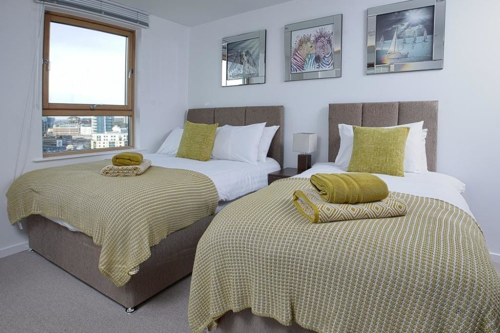 serviced accommodation with fully furnished bedroom