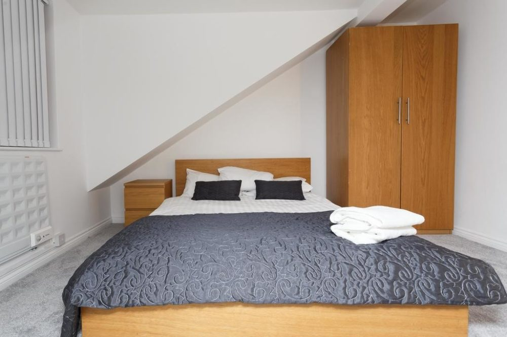 luxury serviced apartments leeds bedroom