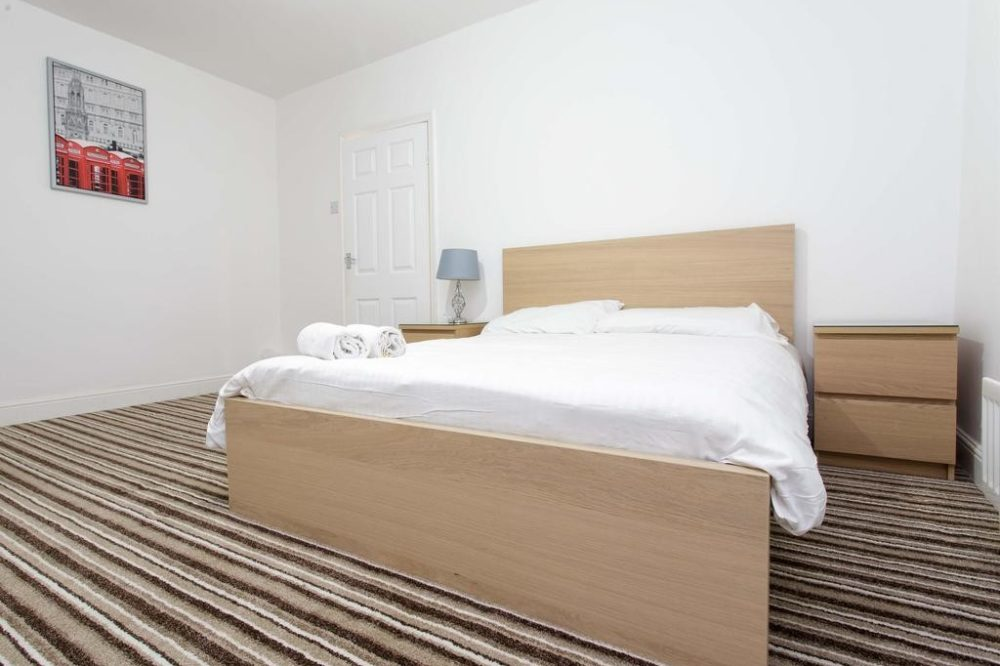 Luxury Leeds apartments with double bed