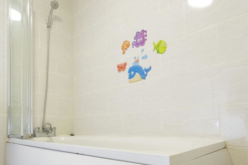 holiday apartments leeds with bath