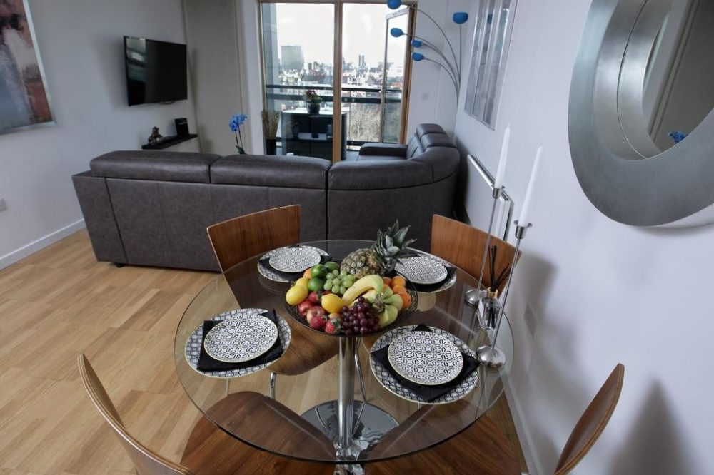 serviced accommodation with fully furnished kitchen / lounge