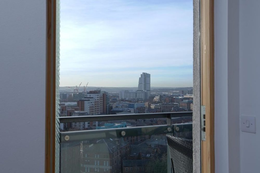 self catering accommodation leeds with great views