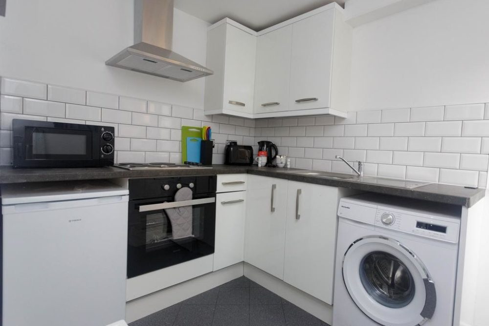 apartment rental leeds kitchen