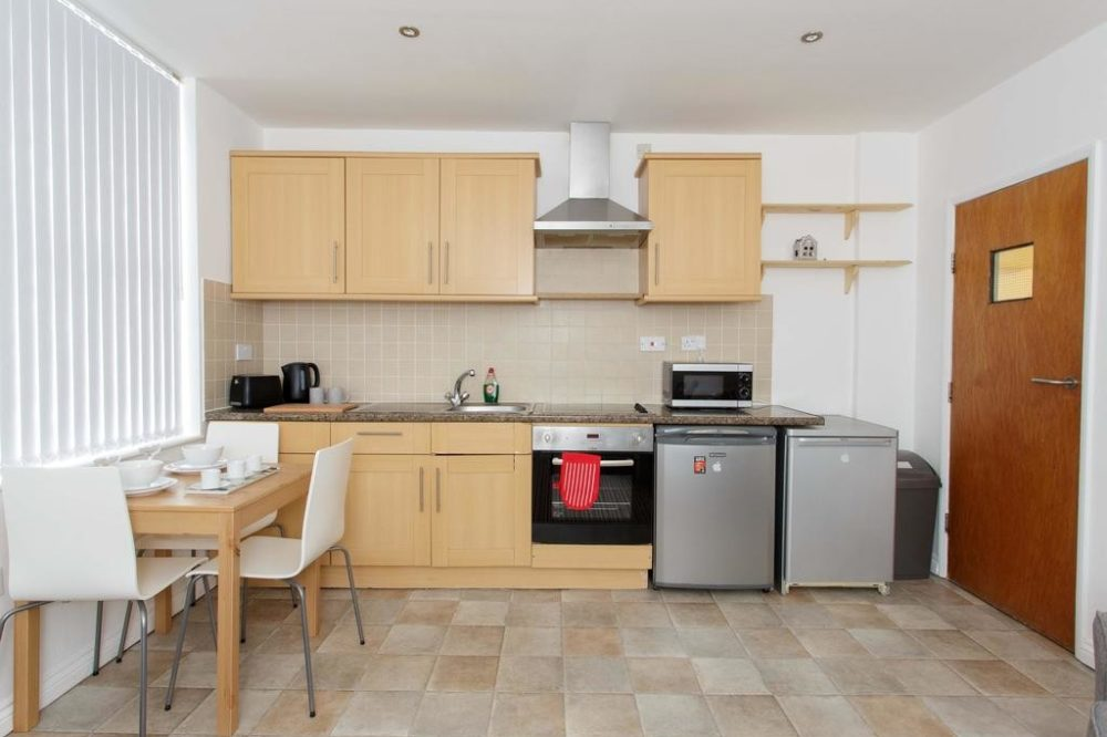apartments to rent in leeds with modern kitchen