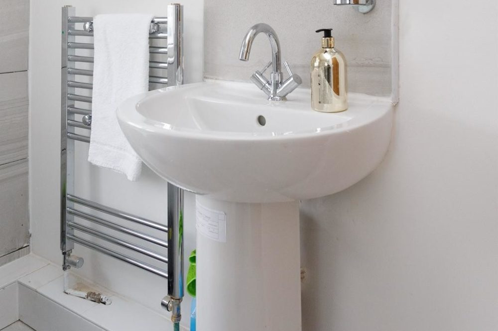 corporate serviced apartments with modern bathroom