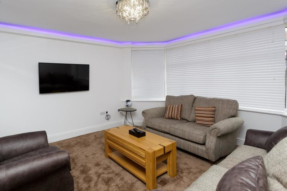 218776351 Services apartments & accomodation in Leeds