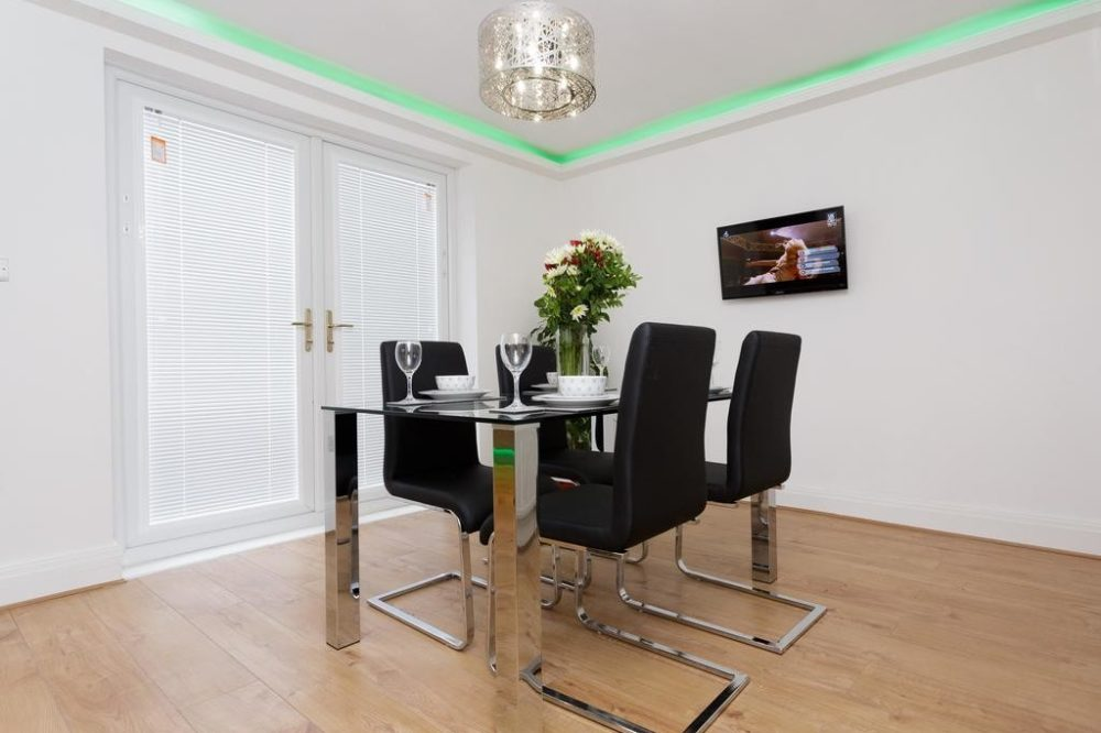 218776468 Services apartments & accomodation in Leeds