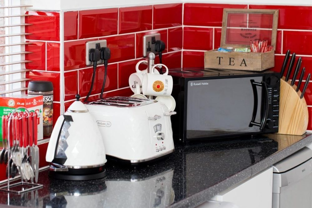Leeds serviced accommodation kitchen