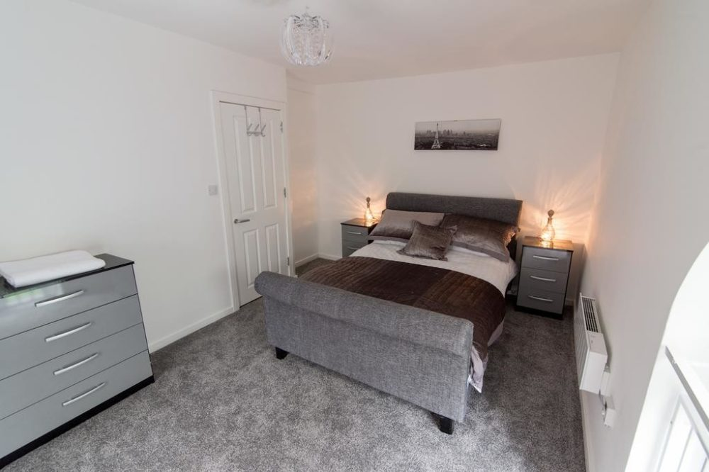apartment rental leeds with large double room