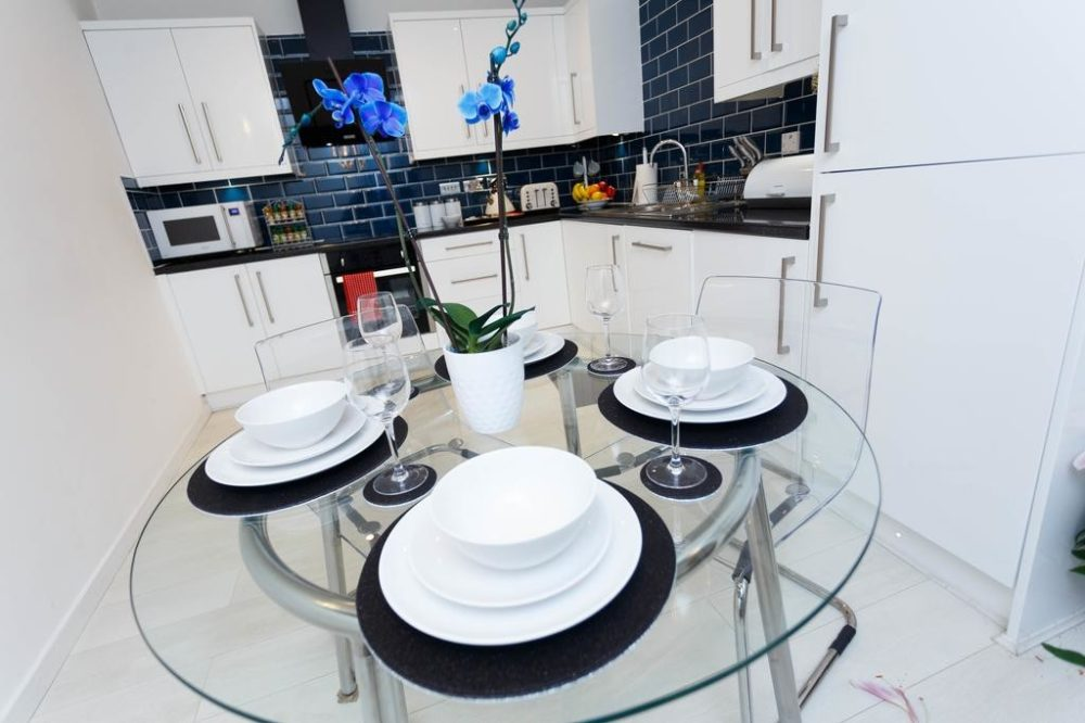 2 bedroom flats to rent leeds with modern kitchen