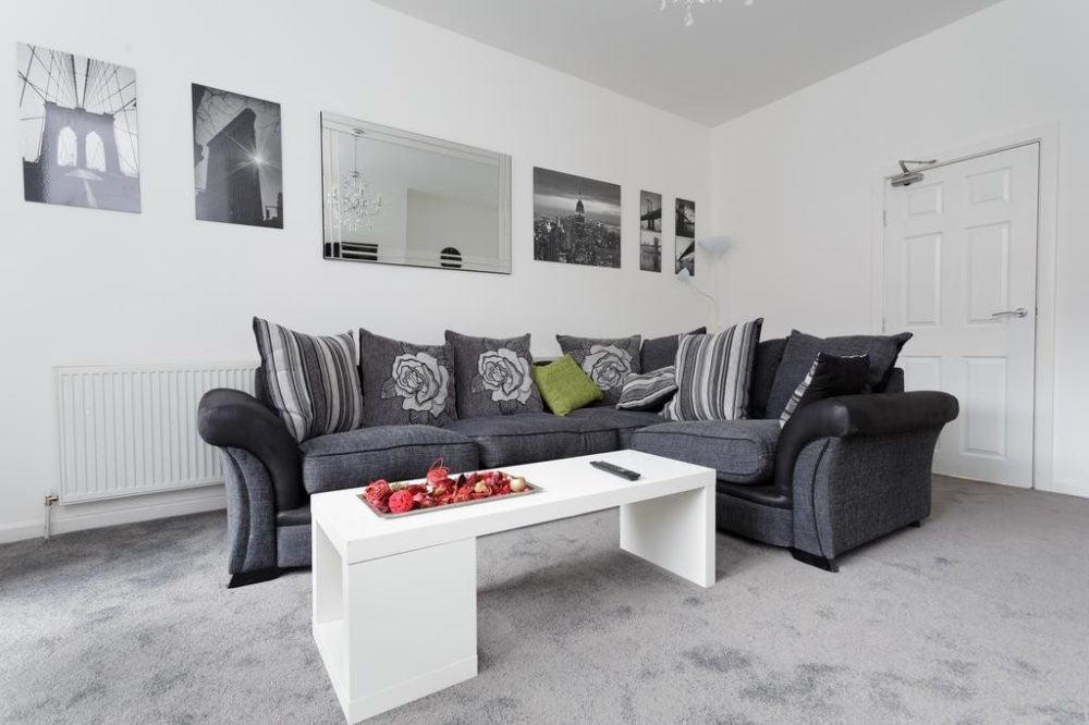 rent apartment leeds city centre lounge area