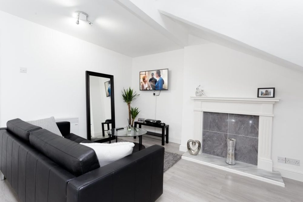 94892070 1 Services apartments & accomodation in Leeds