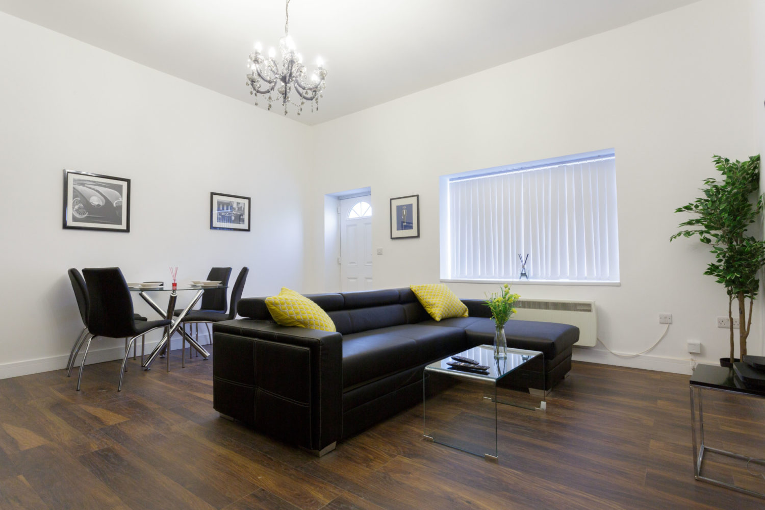 apartments to rent in leeds lounge area