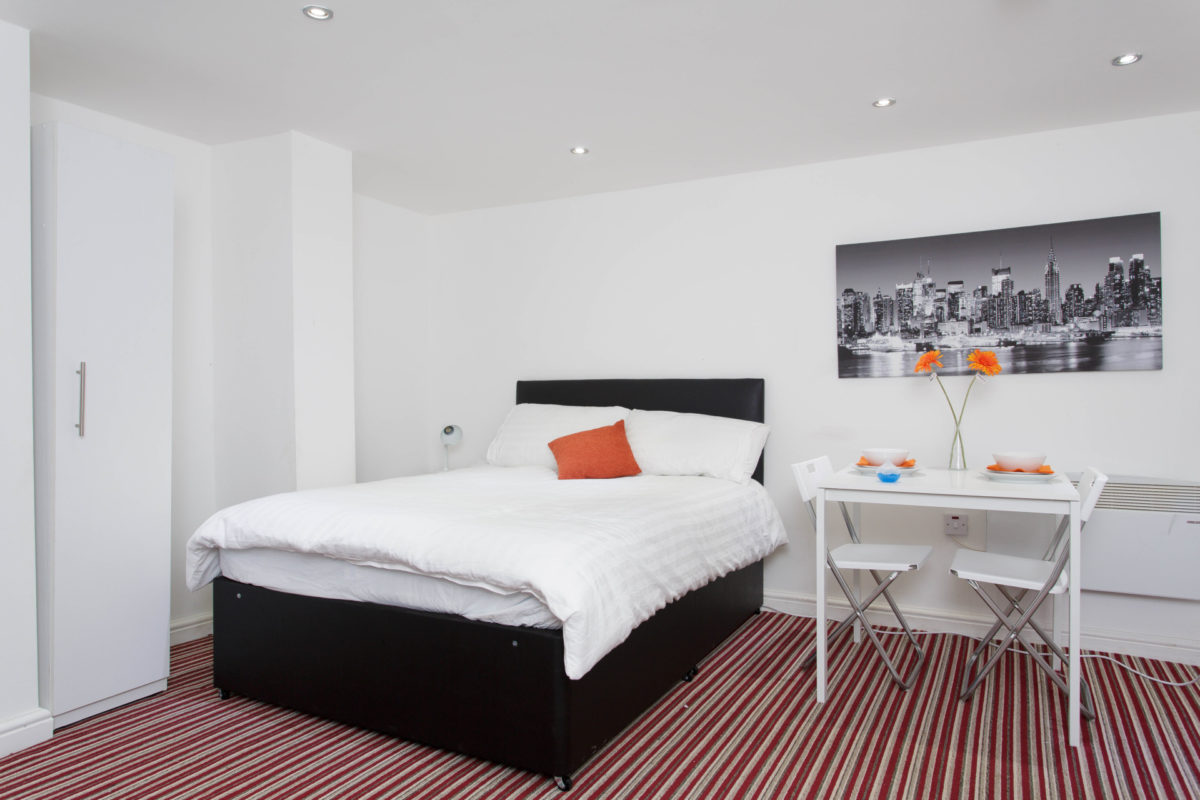 flats in leeds with double bed