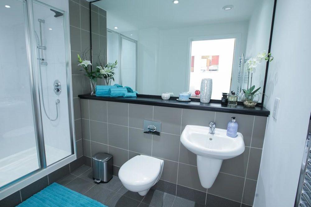 flats in leeds bathroom