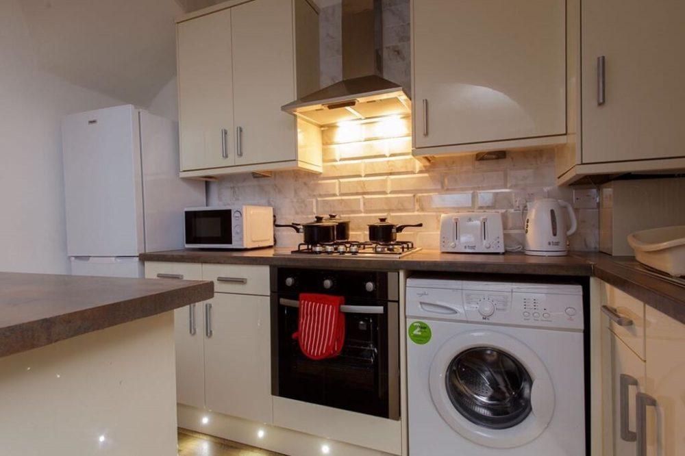Shaftesbury Apartment (13)