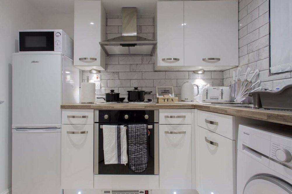 Shaftesbury Apartment (2)
