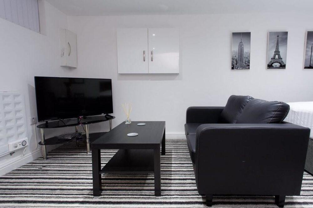 Shaftesbury Apartment (7)