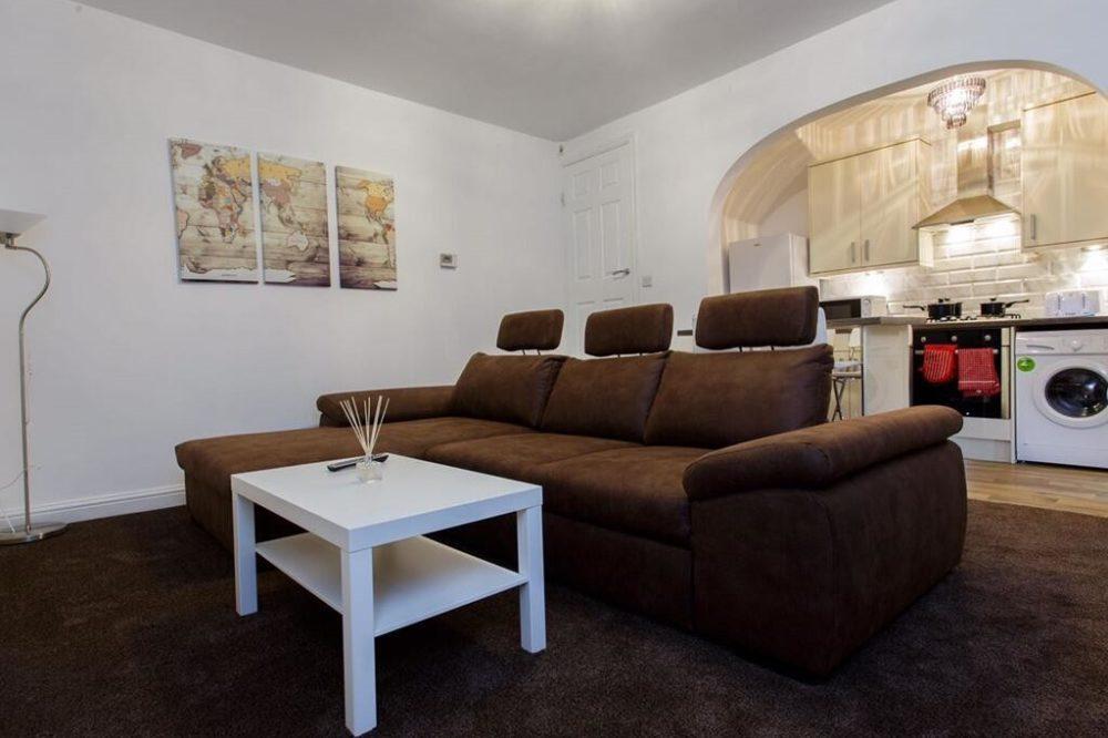 Shaftesbury Apartment (8)
