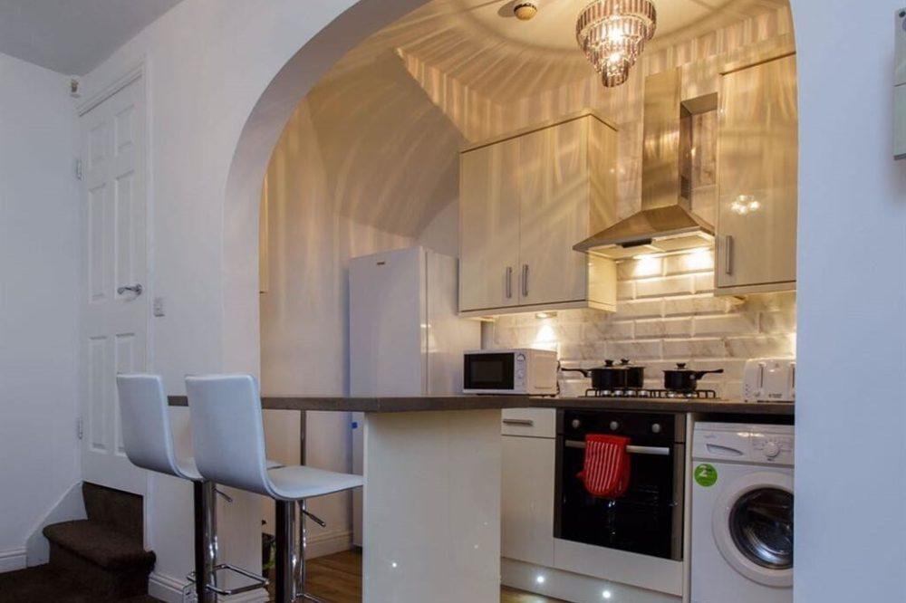Shaftesbury Apartment (9)
