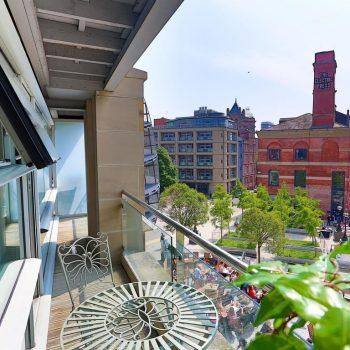 leeds accommodation with large balcony