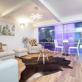 leeds accommodation with amazing lounge