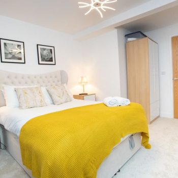 leeds accommodation with modern bedrooms